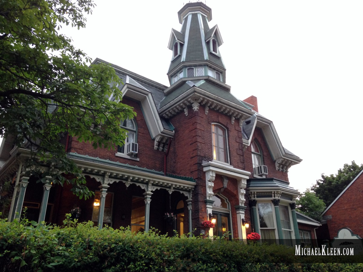 Hochelaga Inn's Lady in Black