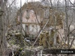 Abandoned house outside Winston Tunnel in Jo Daviess County, Illinois. Photo by Michael Kleen