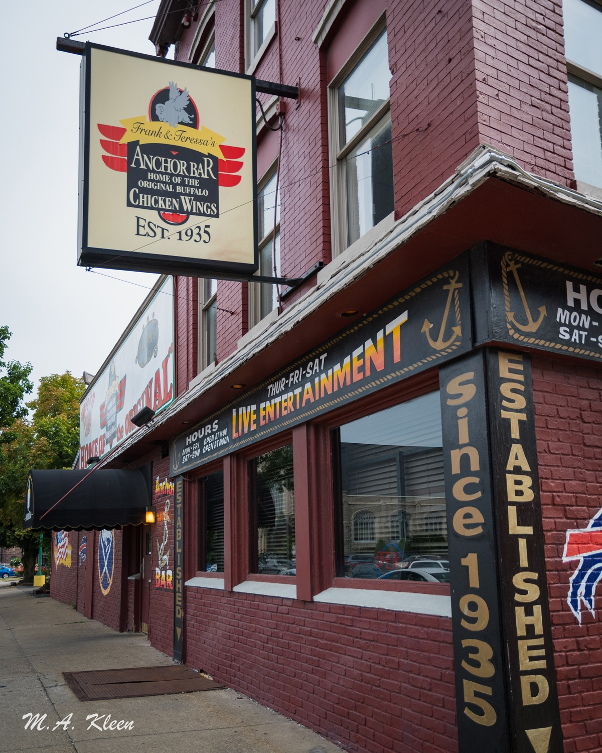 Anchor Bar in Buffalo, New York, Home of ChickenWings