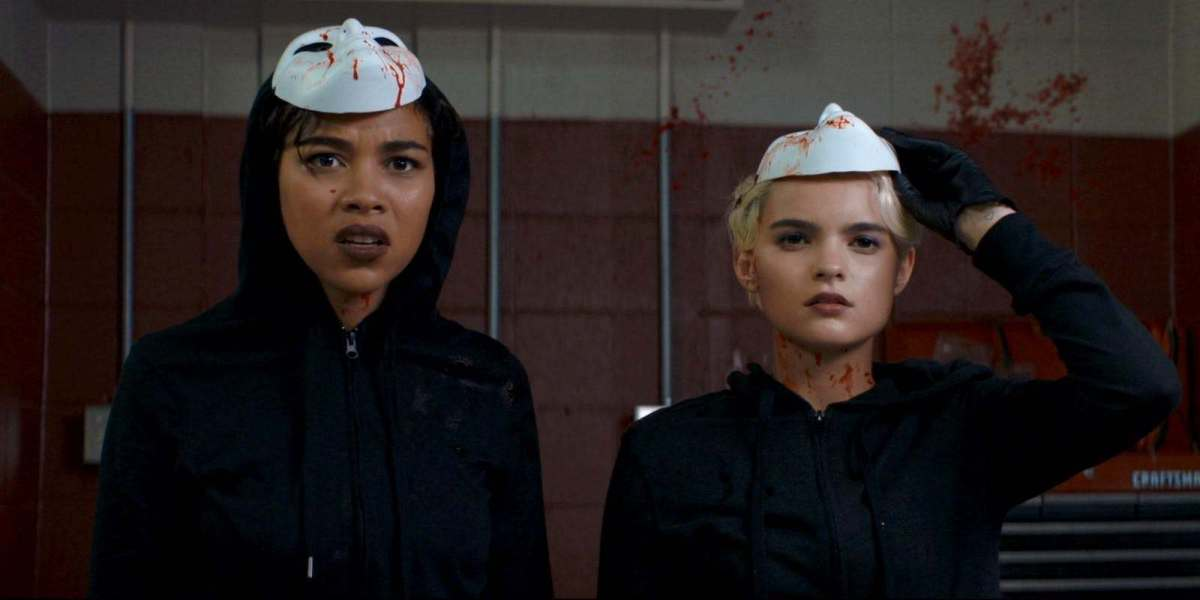 Tragedy Girls: A Fresh, Trendy Take on the Horror Genre