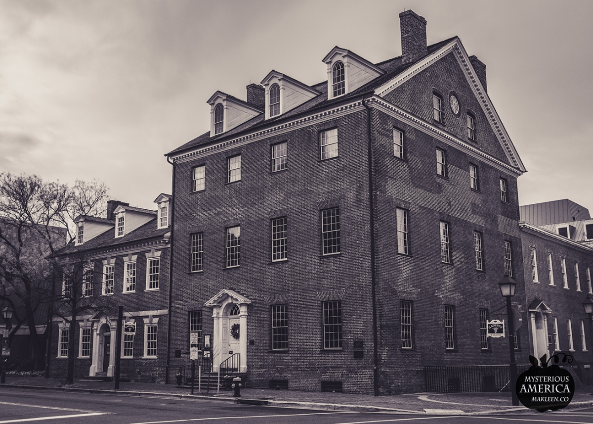 Does a 'Female Stranger' Still Linger at Gadsby's Tavern Museum?
