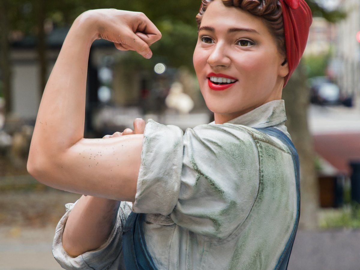 Statue of Rosie the Riveter by artist Ivan Schwartz in National Harbor, Maryland.