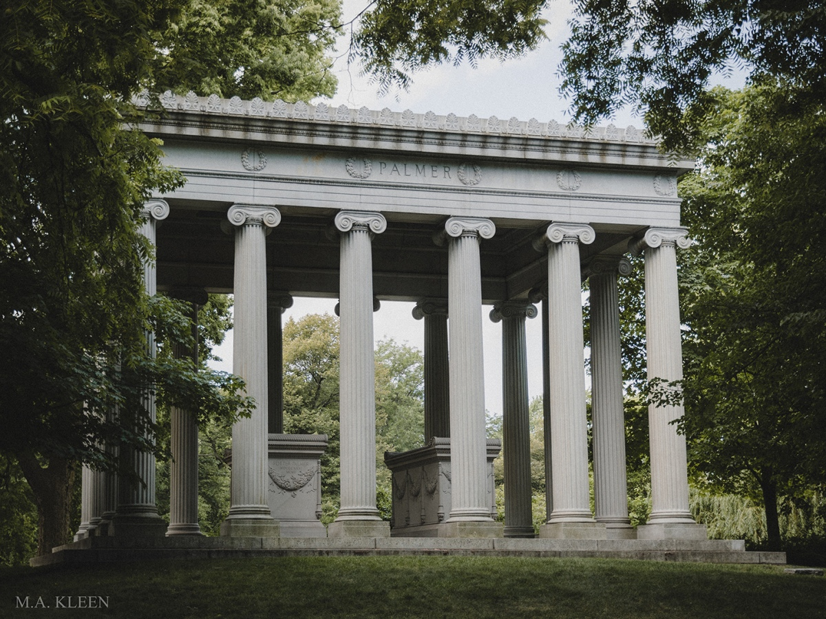 Monument to businessman and real estate mogul Potter Palmer (1826-1902) in Graceland Cemetery, at 4001 N. Clark Street in Chicago, Illinois, the city's premier burial ground.